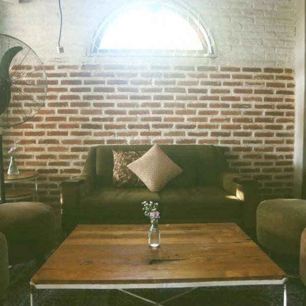 Mantra Sofa